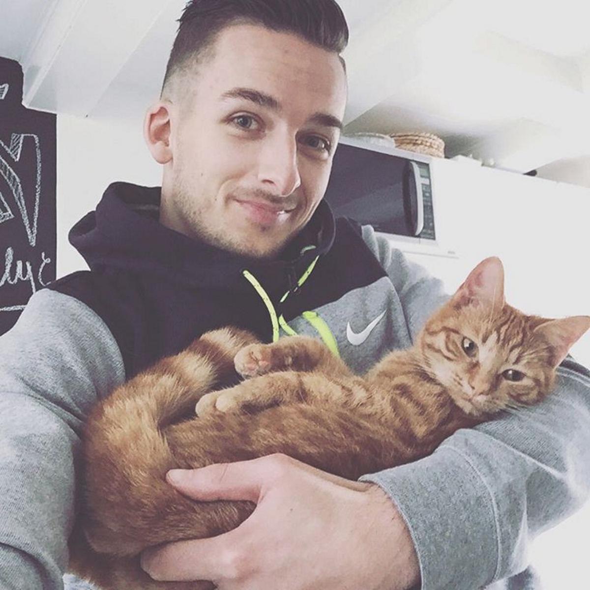 mannen met katten